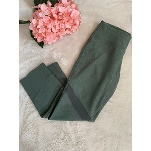 XS, Mondetta, sage green 3/4 active leggings with mesh accent